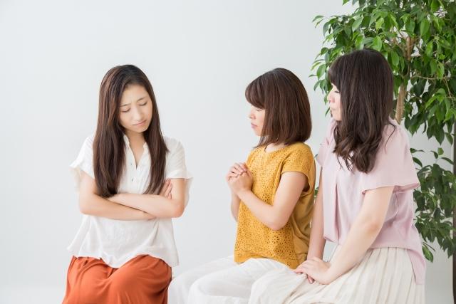 悩み・トラブル:女性:3人:写真画像